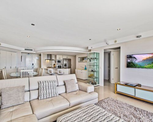 2_5-bed-maroochydore-accommodation-1200-15